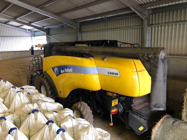 NH-CX-8040 Combine For Sale